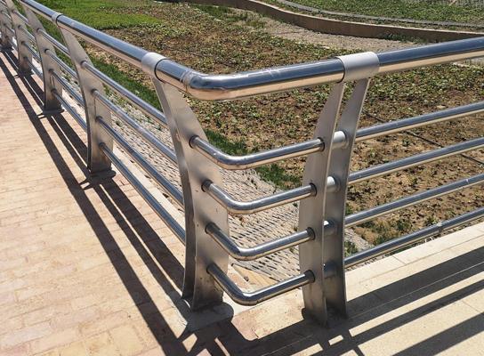 四川户外不锈钢栏杆