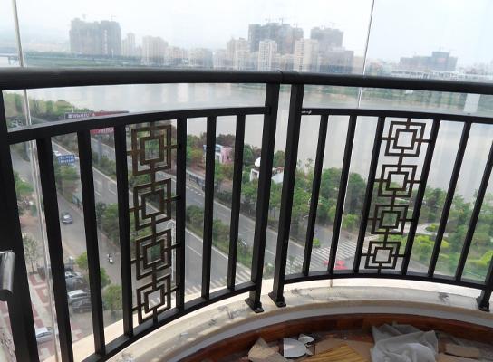 綦江阳台栏杆安装