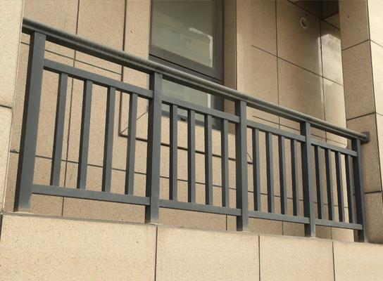 阳台不锈钢栏杆安装